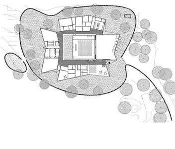 Pohjapiirroksen sisäkkäiset kehät. Malminkartanon kappeli